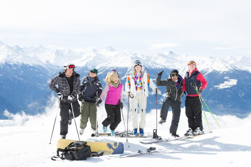 LesRoches Students In The Snow (26)